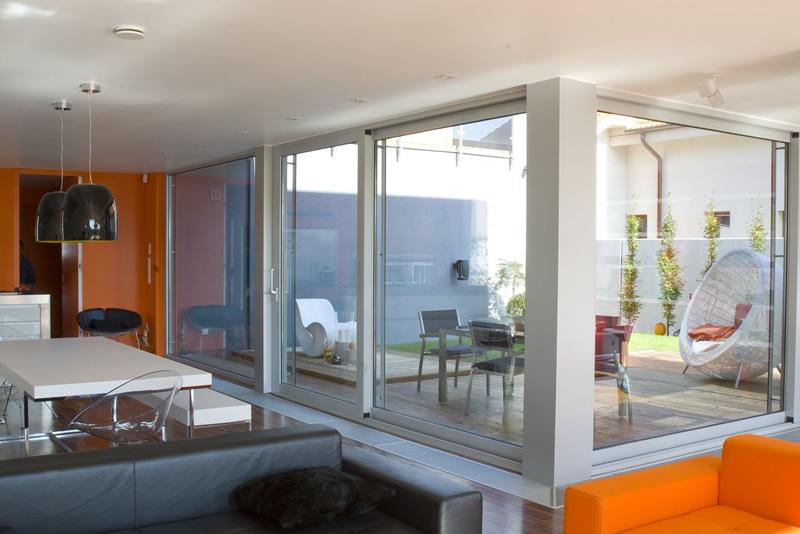 Hliníkové posuvné systémy Hliníkové okná a dvere